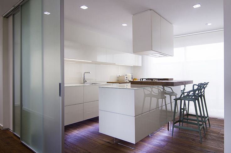 An architectural combination of light and white ° 36e8 #Kitchen #lagodesign #interior