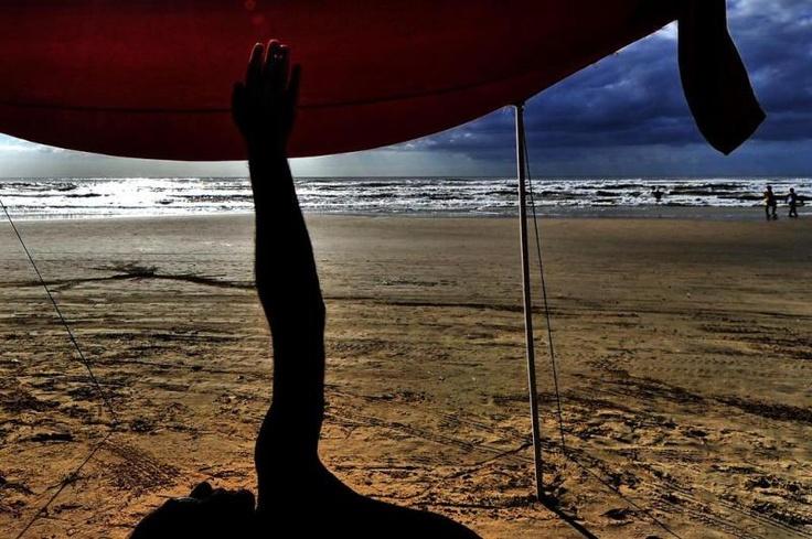 Em Capão da Canoa, não haviam muitos banhistas no início da manhã, apenas aqueles que preferem praticar atividade física ao ar livre