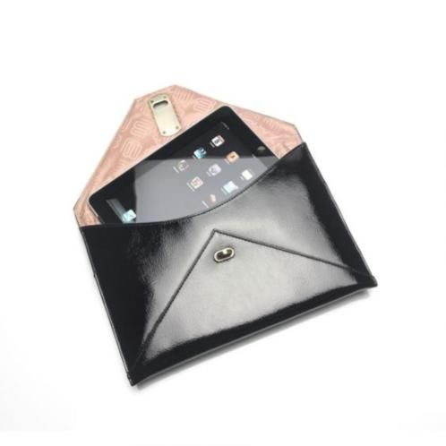 "detail of leather clutch for your 11"" device. leren laptop envelop tas"