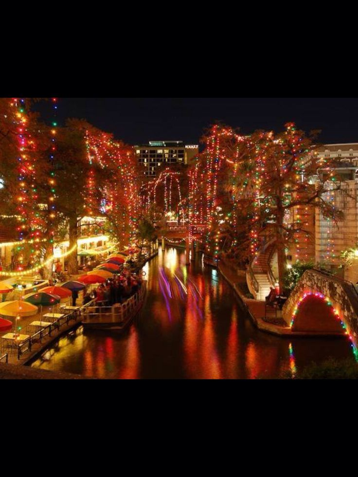 San Antonio Riverwalk at Christmas Pretty lights San