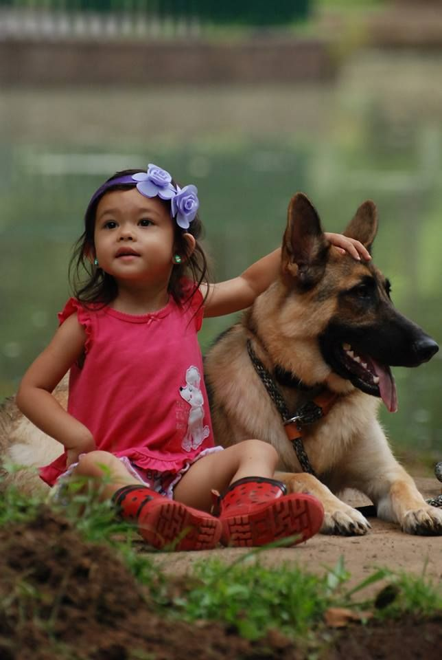 A Girl - And Her Bodyguard - Friends for Life