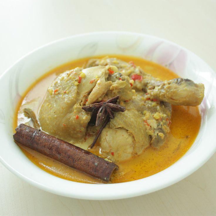 Gulai ayam Padang - Padang style chicken curry