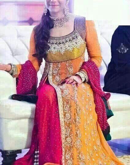 Retro-asiatische Braut bestickte Seide Kleid Minh Hanh
