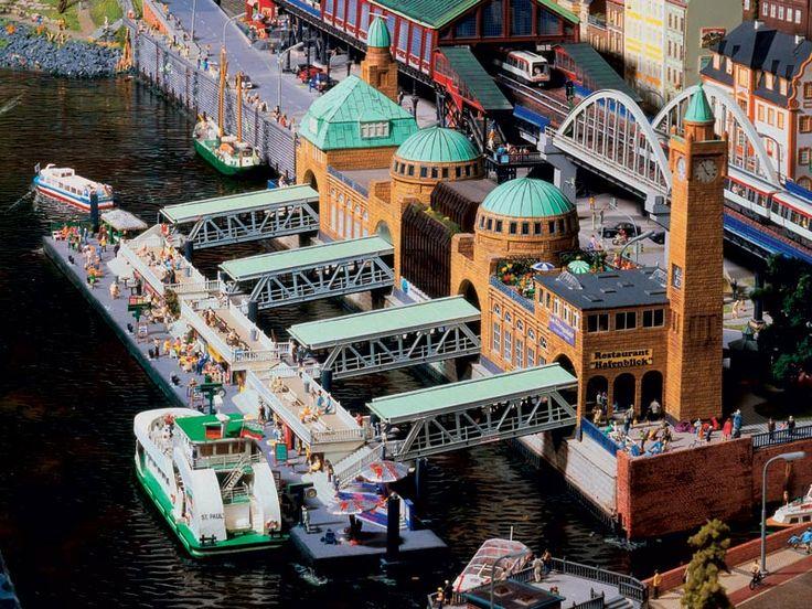 Landungsbrücken, Hamburg