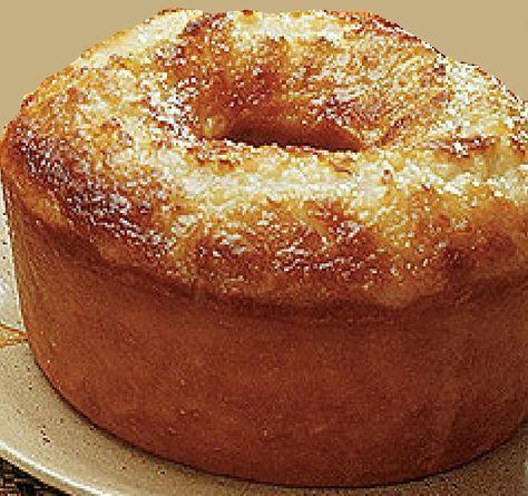 BOLO MARAVILHA 02 xícaras (chá) de farinha de trigo 01 1/2 xícaras (chá) de fubá de milho 01 colher (sopa) de fermento em pó 01 xícara (c...