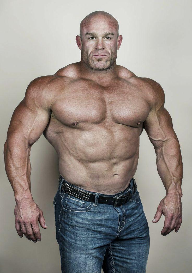 Muscle Men | Huge Gay BodyBuilders - The Ultimate Gay