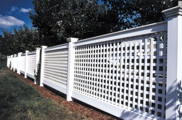Lattice fencing home landscapes and fencing for Lattice screen fence