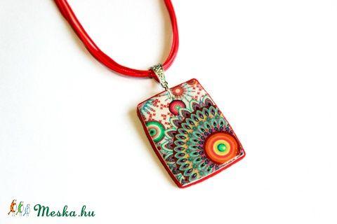 Meska - Piros-narancs egyedi mintás nyaklánc, medál süthető gyurmából Rdesign kézművestől
