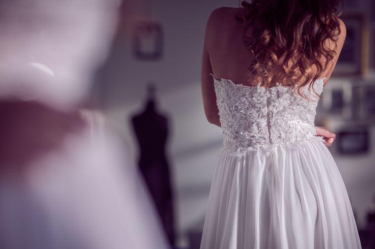 Aleksandra Miroslaw SS 2017 bridal collection. #weddingdress #bridalgown #lacedress