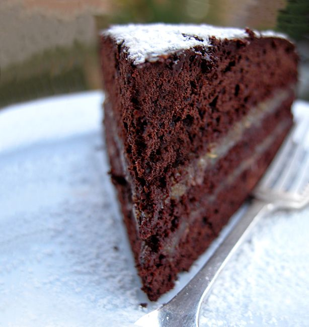 Torta negra | http://www.ilpastonudo.it/castadiva/il-cibo-degli-dei/torta-negra/