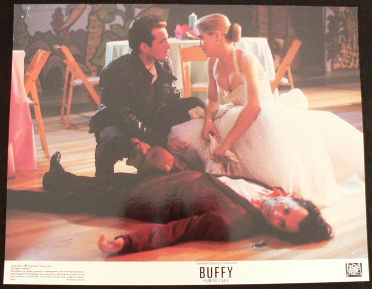 BUFFY THE VAMPIRE SLAYER  .. LOBBY CARD ..11X14  From the 1992 Film