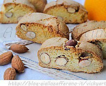 Piparelli biscotti siciliani dei morti con mandorle