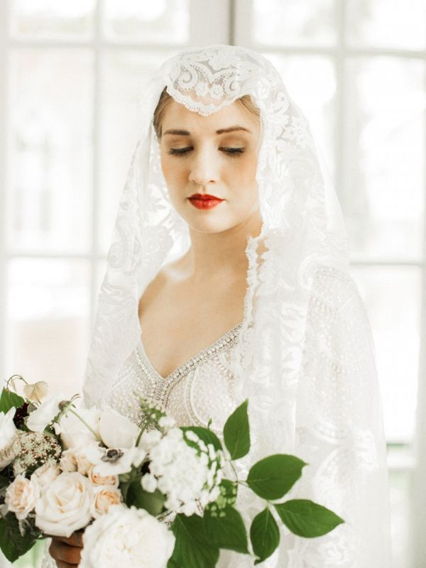 Bride in juliet cap veil  #wedding #weddings #aislesociety #engaged #weddinginspiration #vintagewedding