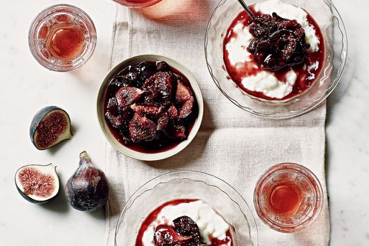 The naked chef knows a thing or two about impressive sweets and desserts. Here's our favourite dessert recipes from Jamie Oliver.