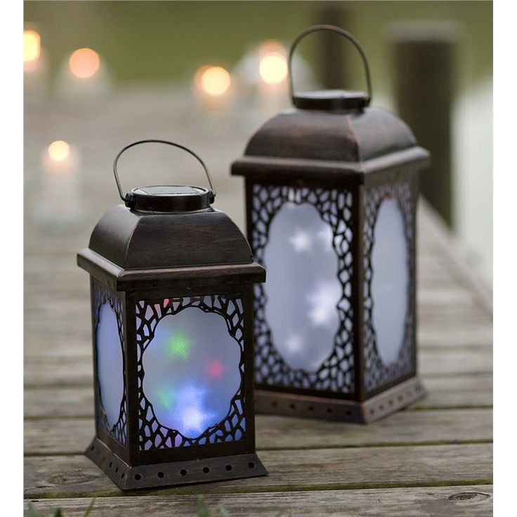 Large Twirling Moravian Star Solar Lantern   Collection Accessories