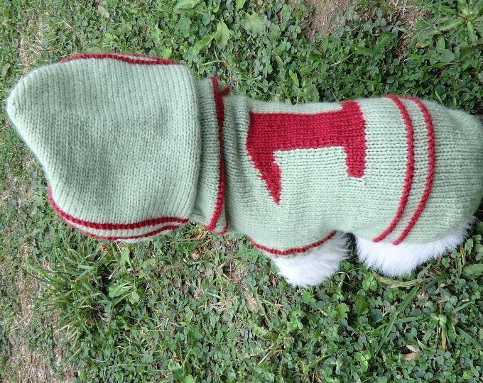 Manteau à capuche - Pour chien moyen - Caniche - Bichon - Pékinois - Yorkshire - Coloris vert et rouge  - Tricoté à la main - Idée cadeau