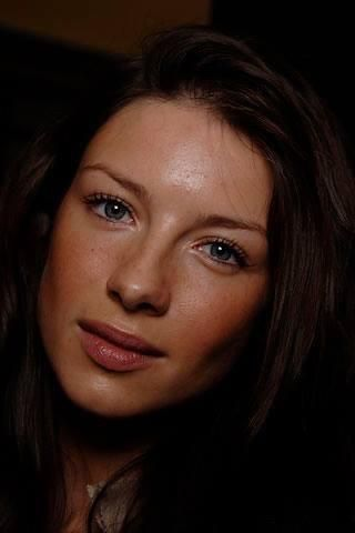 Beautiful Caitriona Balfe is the perfect Claire Fraser!