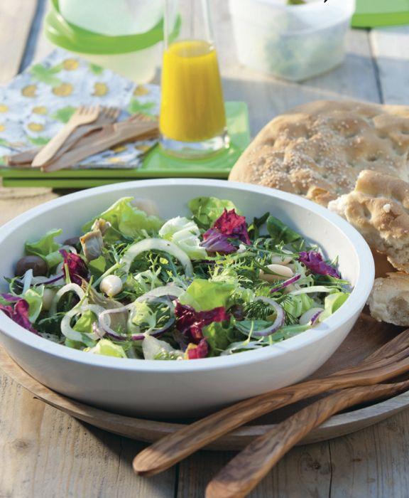 Heerlijk als picknickgerecht of als snelle avondmaaltijd: deze salade met artisjokharten! Serveer met Turks brood. http://www.vriendin.nl/koken/recepten/7311/recept-voor-bonensalade-met-artisjokharten-en-mosterddressing