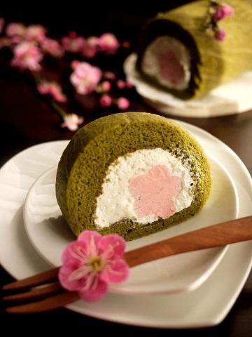 Matcha Sakura roll cake