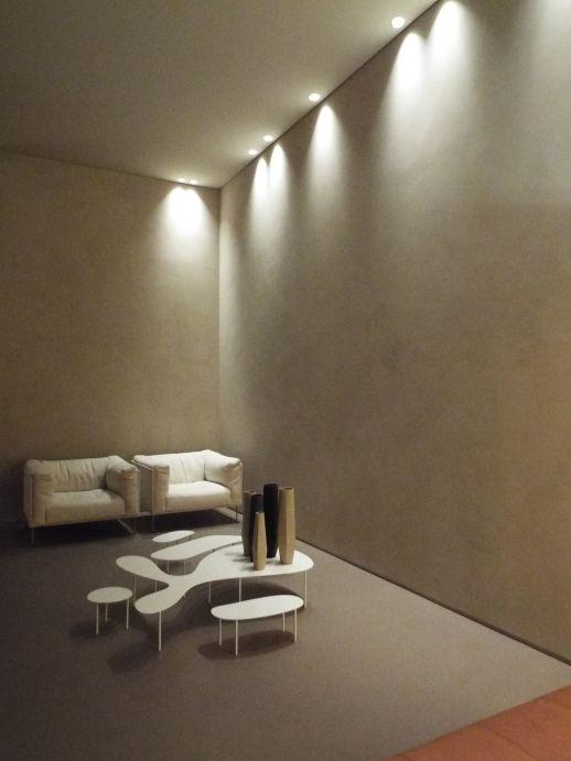 Ambientazione living con pavimento e rivestimento in #resina. www.stanzedautore.it