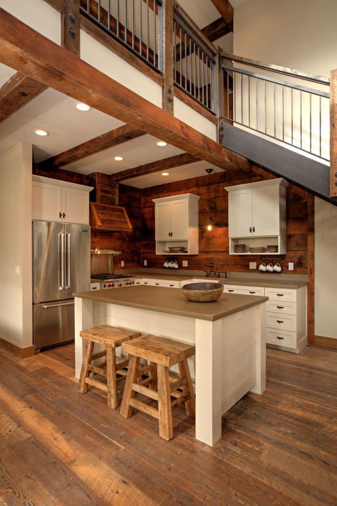 Descubra fotos de Cozinhas rústicas por Uptic Studios. Encontre em fotos as melhores ideias e inspirações para criar a sua casa perfeita.