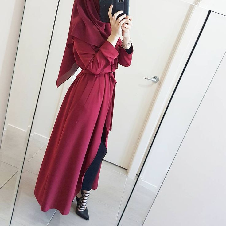 Swipe to see this @modestyinstyle waterfall abaya in its full glory ❤ P.s its also featured on my story