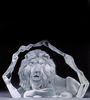 the most stunning gift for the Lion in your life. Mats Jonasson Limited Edition Crystal sculpture. Comes with Certificate and Gift Boxed.