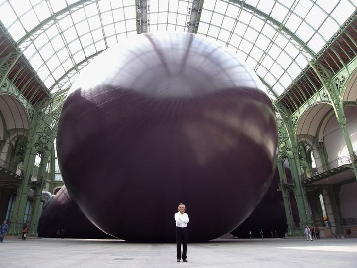 The purple rubber beast, Leviathan for Monumenta 2011by Anish Kapoor Grand Palais Paris