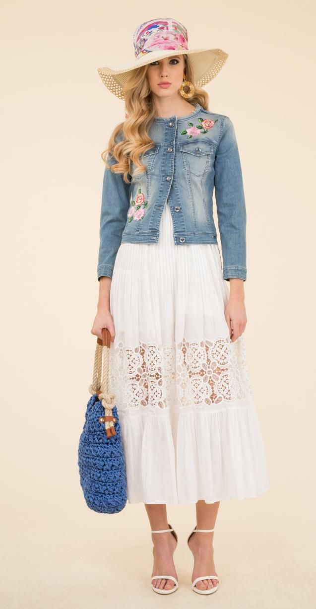 Stretch faded denim jacket with floral embroidery, Rita hat and Ideologia bag.