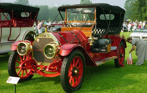1909 Thomas Flyer touring.