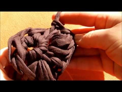 flor de trapillo con los dedos - YouTube