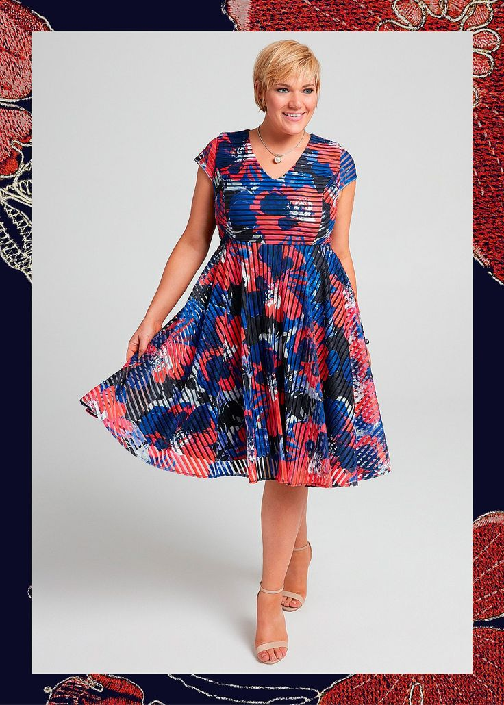 Amalfi Bloom Dress #takingshape #plussize #curvy #eventwear #event #specialevent