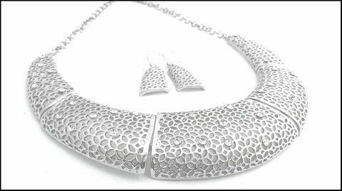 Filigree Mesh  Necklace & Earrings Set