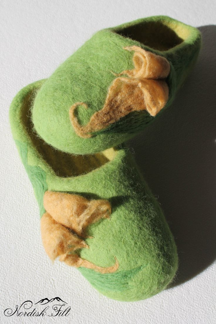Felted wool slippers-Home shoes-light green felted wool by NordiskFilt on Etsy