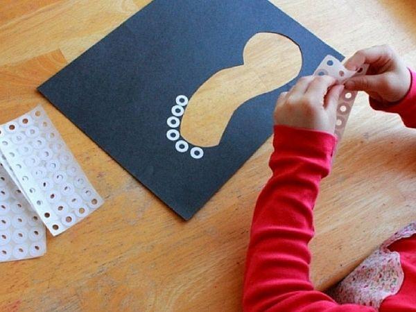 L'arte con i buchi per stimolare la creatività e l'immaginazione