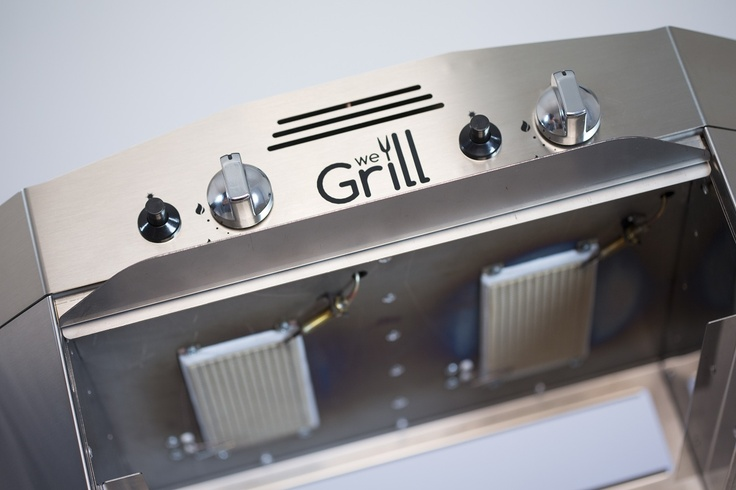 www.wegrill.eu The two ceramic infrared burners positioned above the grid are ready to be turned on