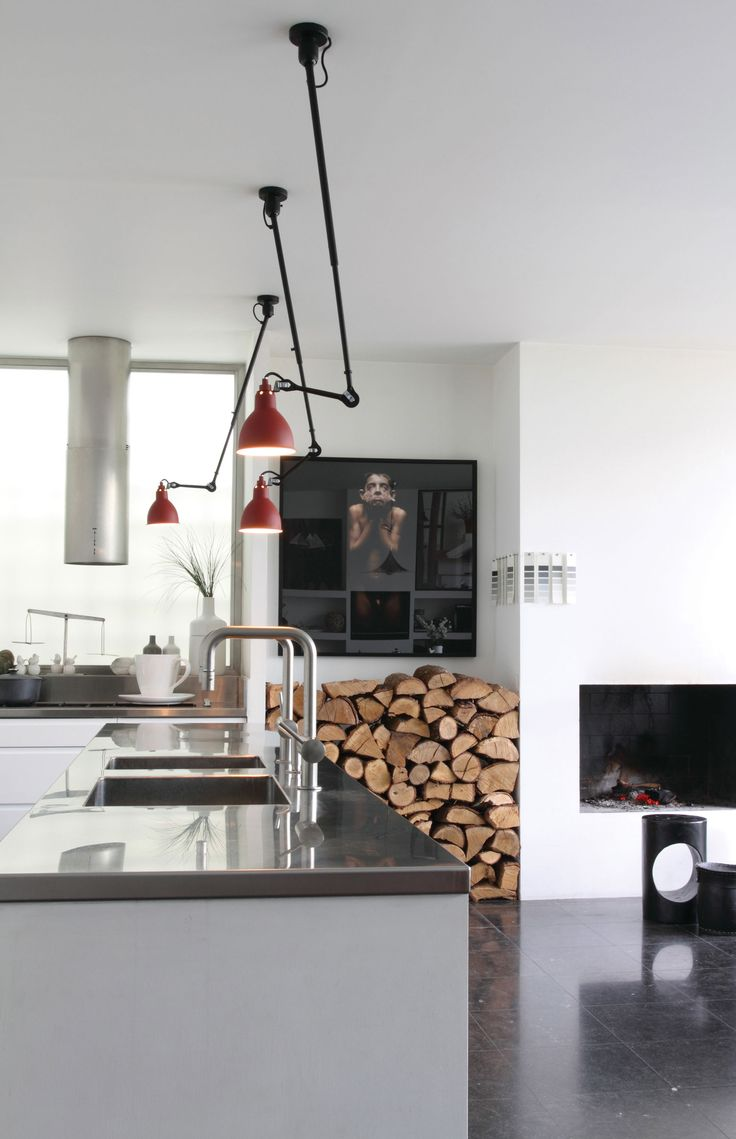 Pendant   Ceiling Lamp With Telescopic Arm Red Satin / Black By DCW  éditions   Lampes Gras