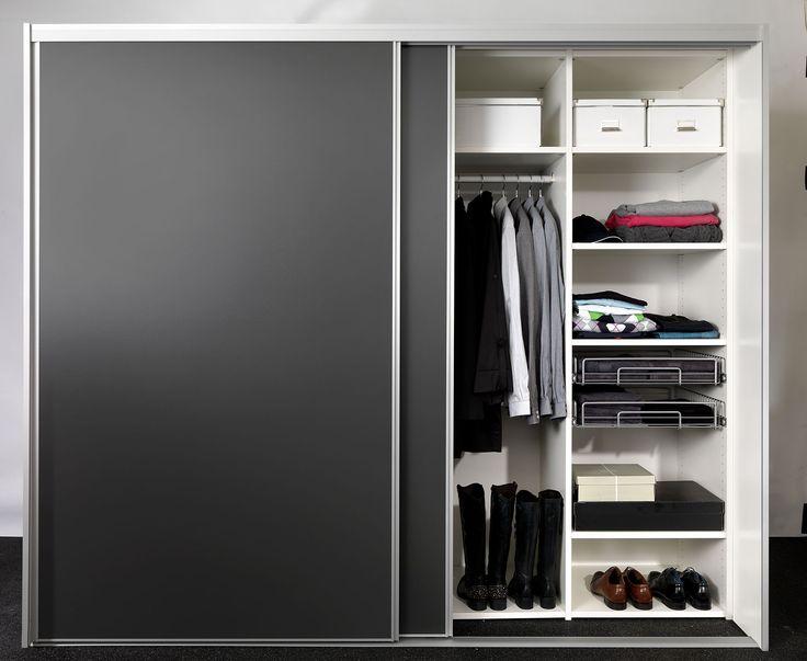 Garderobeskabe med Skydedøre efter mål - Compact® fra Mogensen