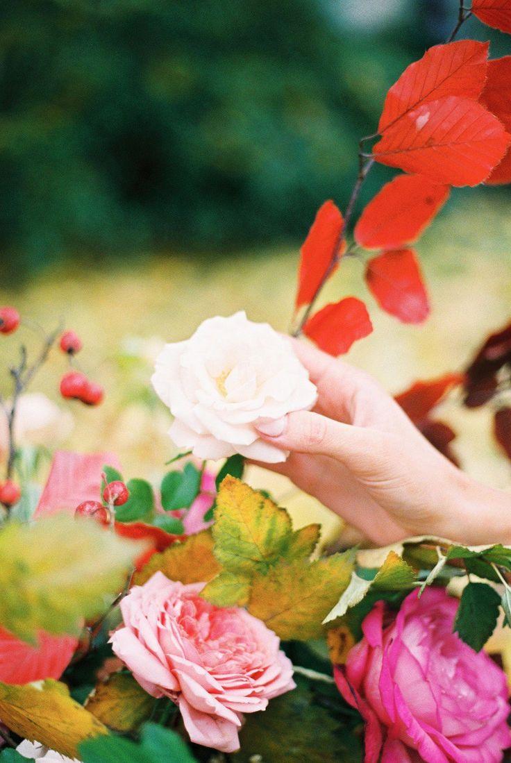 Что подарить подруге на свадьбу, как соответствовать цветовой гамме свадьбы? Если эти вопросы сбивают вас с толку перед торжеством, то выход - украшения Endless Jewelry, более 27 цветовых решений, серебро 925 пробы, позолота 18 к, только натуральная кожа. Приходите за подарками)  В альбоме еще больше идей: https://vk.com/album-104703096_229936618  #endlessjewelry #jenniferlopez #украшения #подарки #новыйгод #свадьба