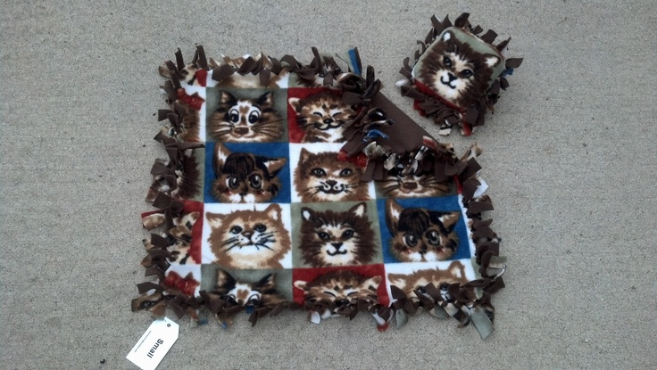 Reversible+and+washable+pet+blanket+with+by+Tuckmeintoo+on+Etsy,+$19.00