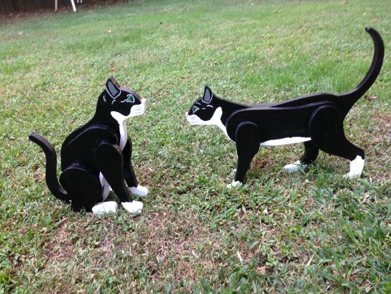 17 best images about wooden cats and dogs on pinterest for Cat yard art