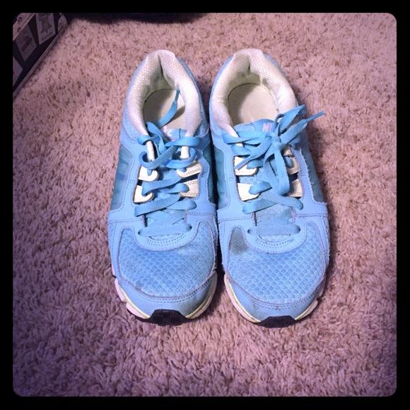Super cute Nike shoes Barely worn, but a bit dirty, just needs a bath. Super cute colors Nike Shoes Athletic Shoes