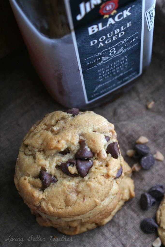 Bourbon & Toffee Brown Butter Chocolate Chip Cookies | www.sugarandsoul.co