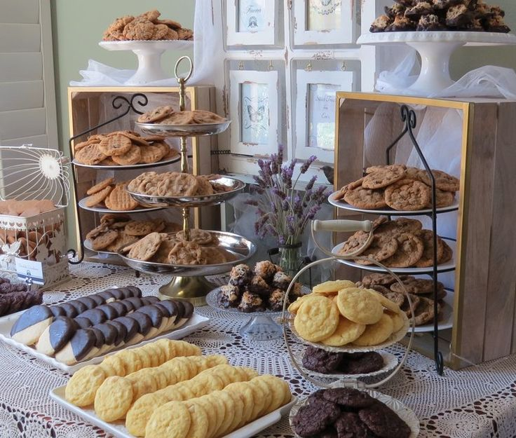 Bling Wedding Cookie Tables: 25+ Best Ideas About Cookie Table Wedding On Pinterest