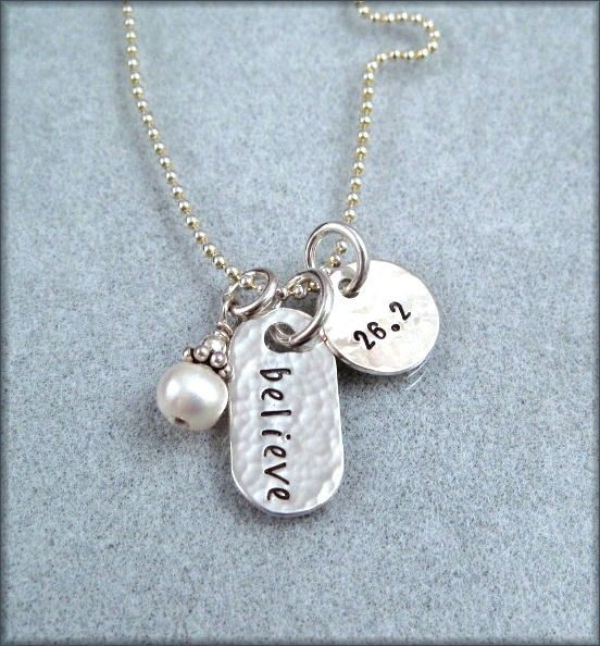 or this one?Fit, Half Marathons, 262 Marathons, Marathons Training, Marathons Necklaces, Things, Christmas Ideas, Porches Swings, Hands Stamps Jewelry Runners