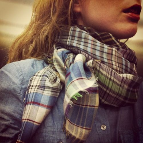 eeh, rediculously cute! jean shirt and plaid scarf
