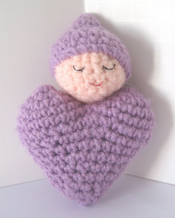 CROCHET N PLAY DESIGNS: Free Crochet Pattern: Heart Shaped Baby Doll...Fantastic little doll that will be fun to make a bunch!... FREE PATTERN,
