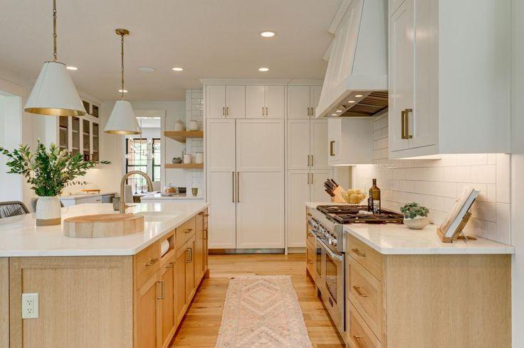 House Tour Of A Custom Modern Farmhouse In 2020 White Kitchen Oak Floor Oak Floor Kitchen White Oak Kitchen
