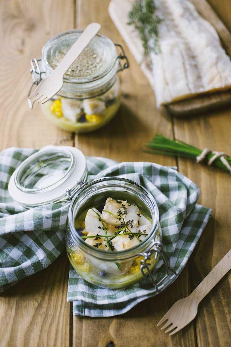 Lo stoccafisso in vasocottura con vellutata di porri e cavolfiore è un'idea originalissima: pesce e verdure senza null'altro, in tutta la loro bontà!