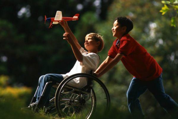 Родители ребенка инвалида— два порочных пути и золотая средина